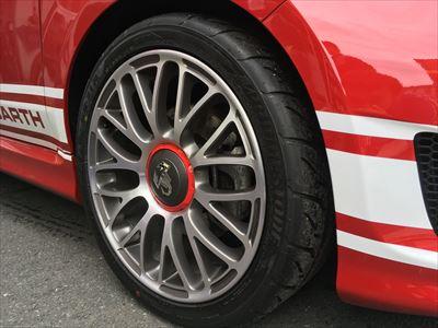 アバルト タイヤ交換 71R